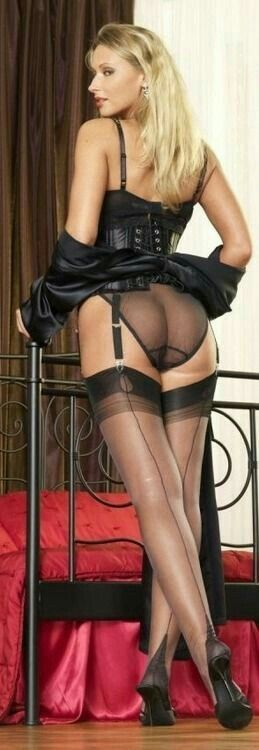 Lingerie stockings garters nude ass
