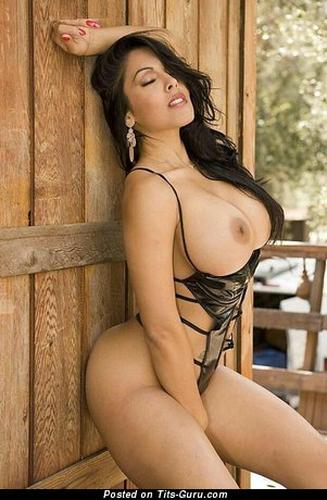 Mexican lady nude pictures