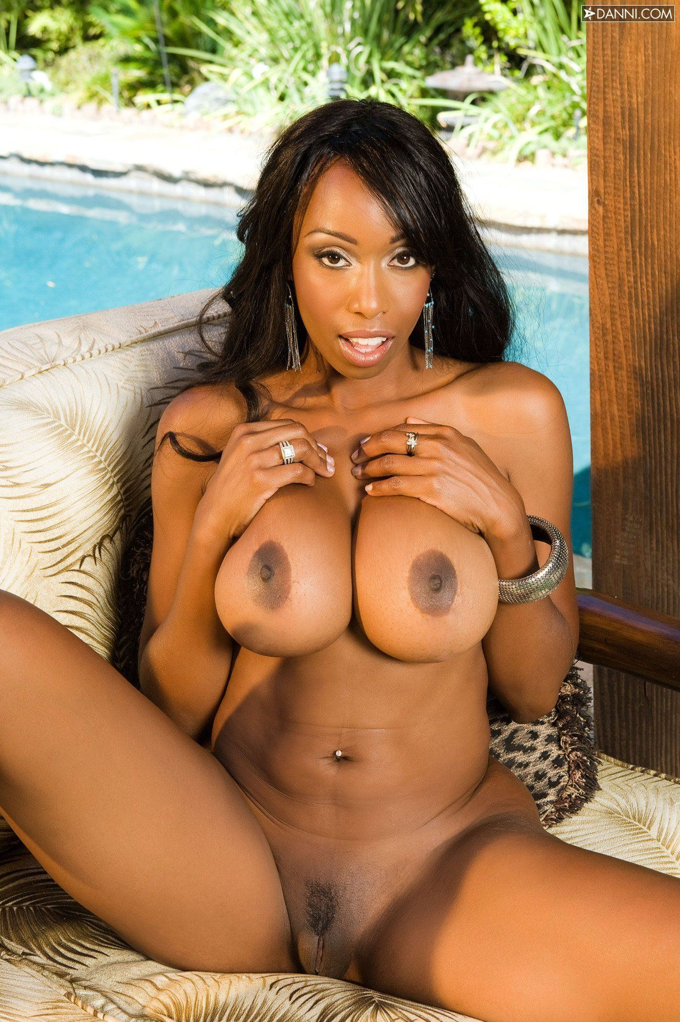Sexy nude black girl