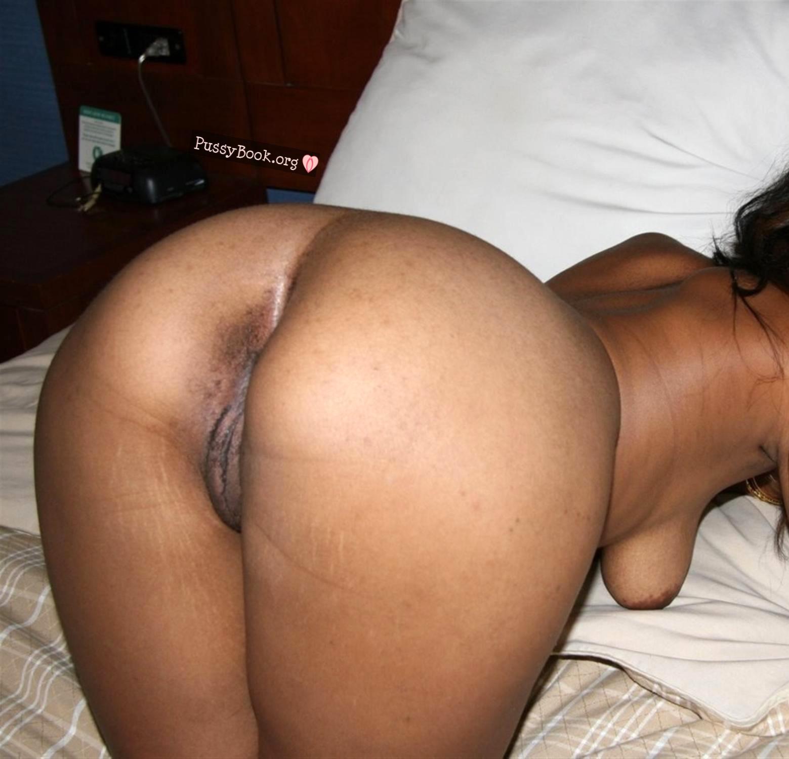 Black woman bare butt