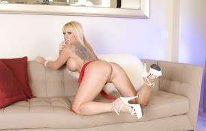 Emerald angie mea anal melone