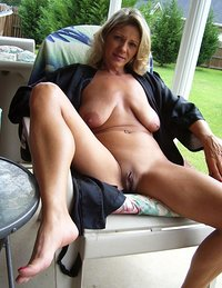 Horny mature housewife mature nude
