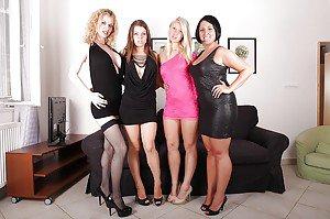 Very young jb girls bottom