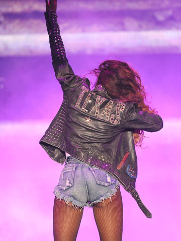 Beyonce on stage ass