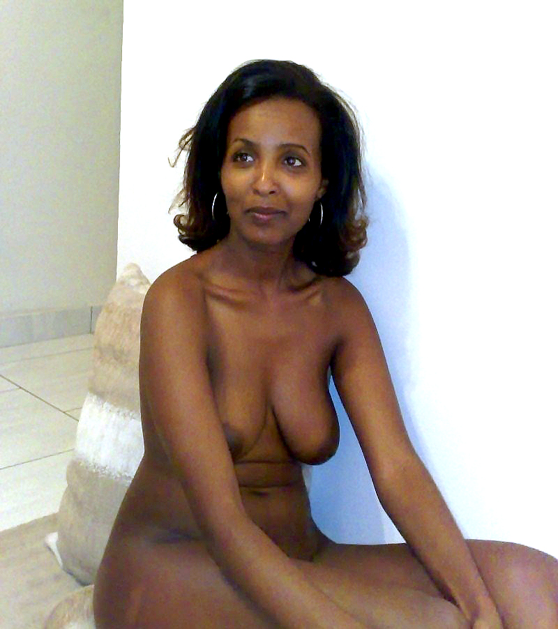 Naked old black mature women solo
