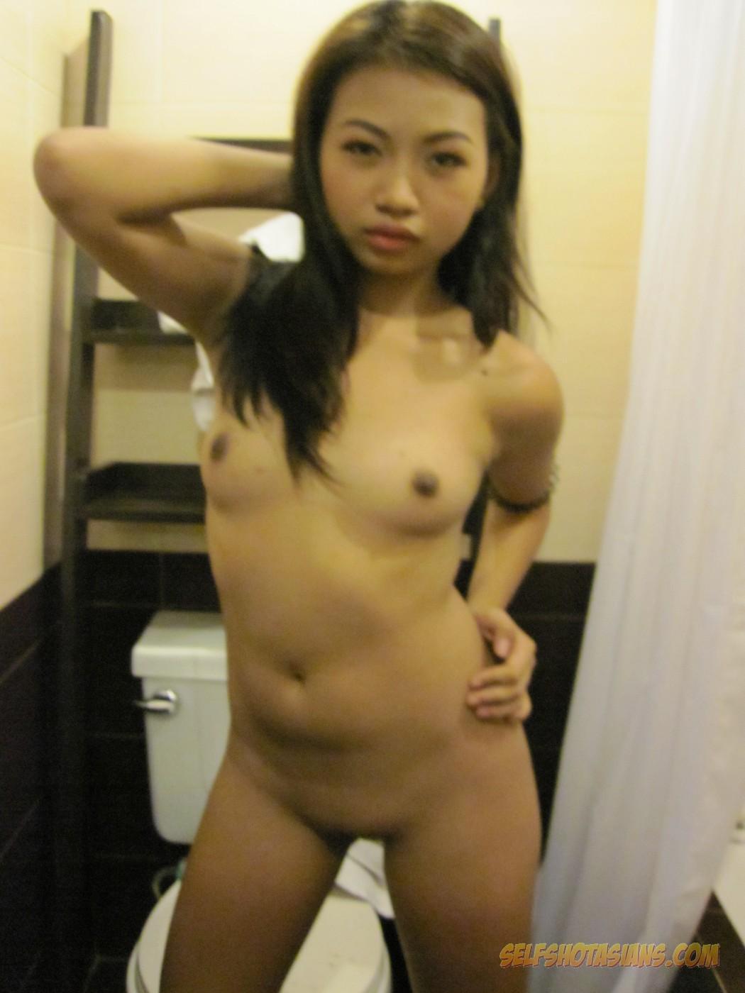 Nude asian girl candid