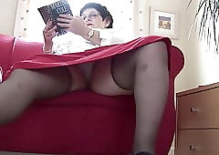 Hairy pussy big ass upskirt photos