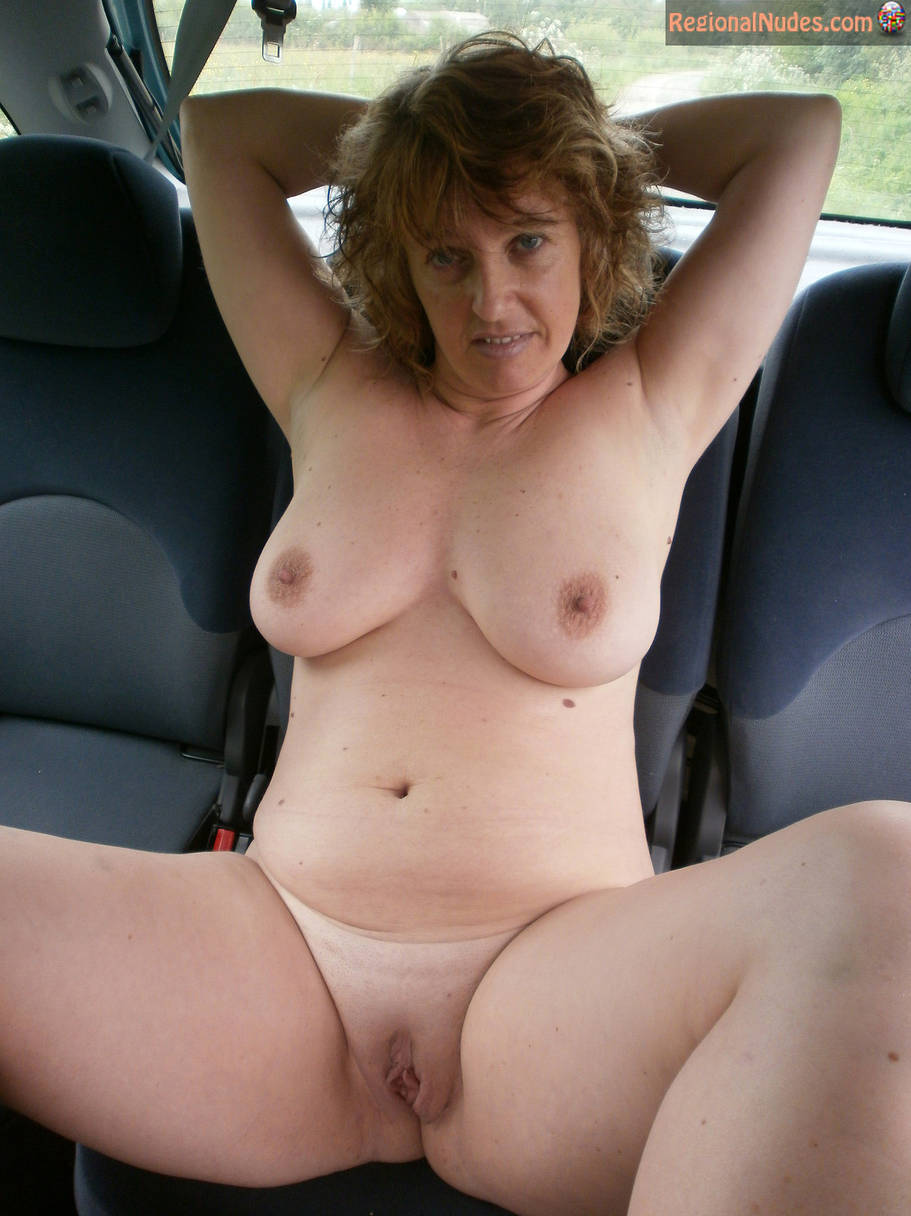 Mature wife nude from front and behind
