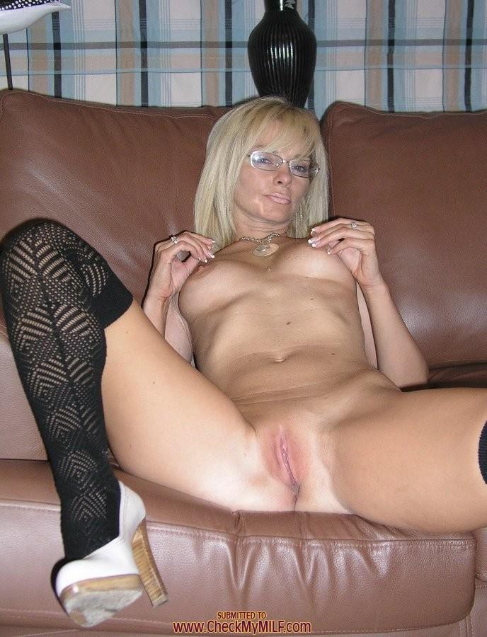 Blonde milf cougar amateur