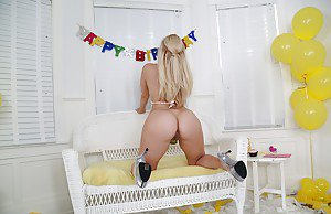 Porno ariana grande nice ass