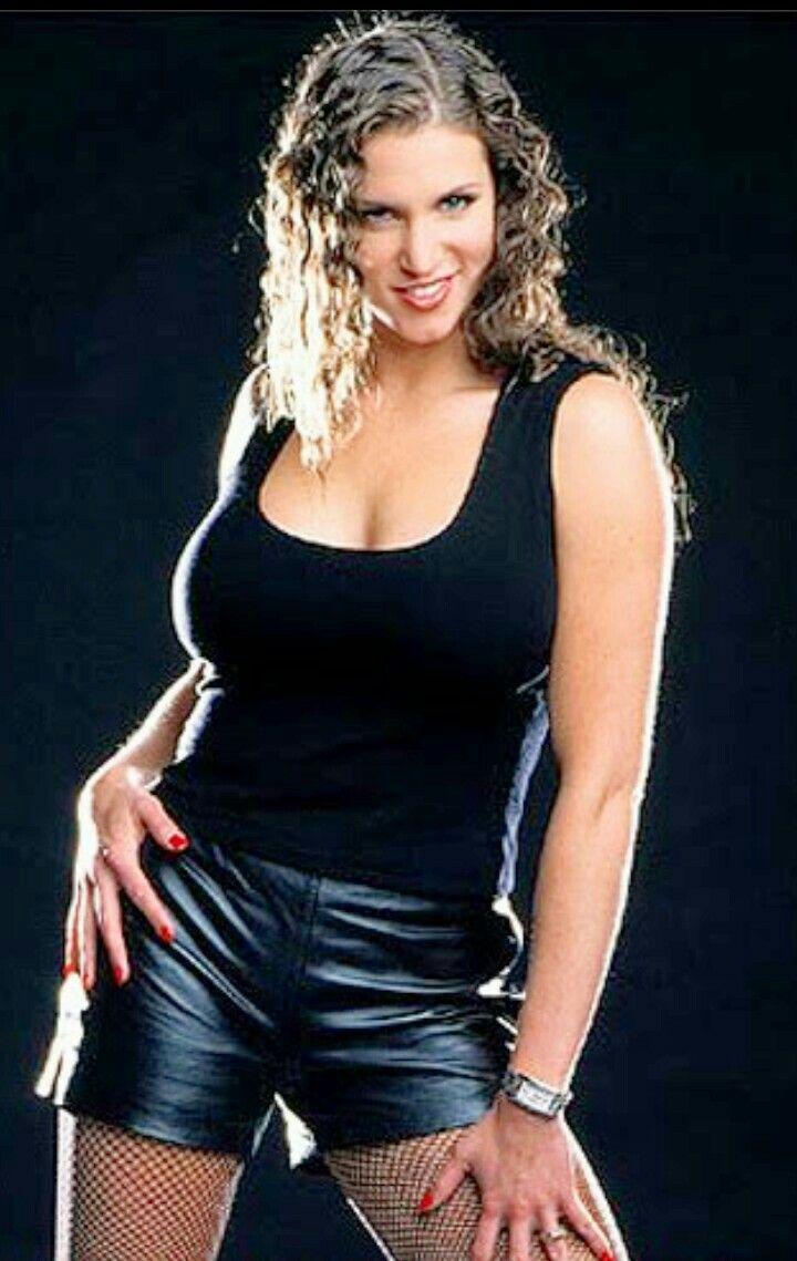 Stephanie mcmahon sexy hot babe
