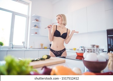 Women making breakfast nude