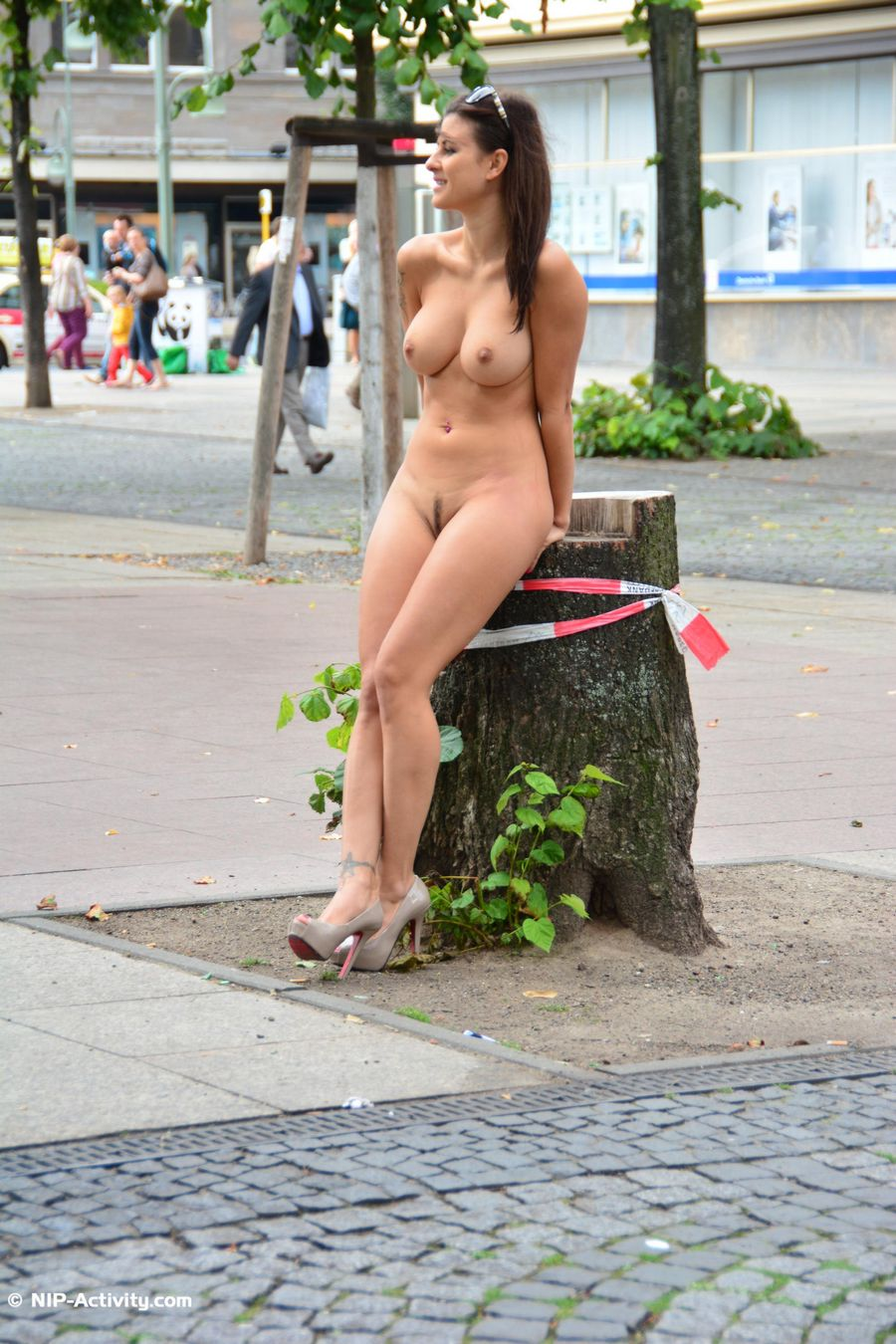 Nudes of girls in public places