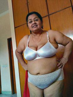 Desi old aunty nude
