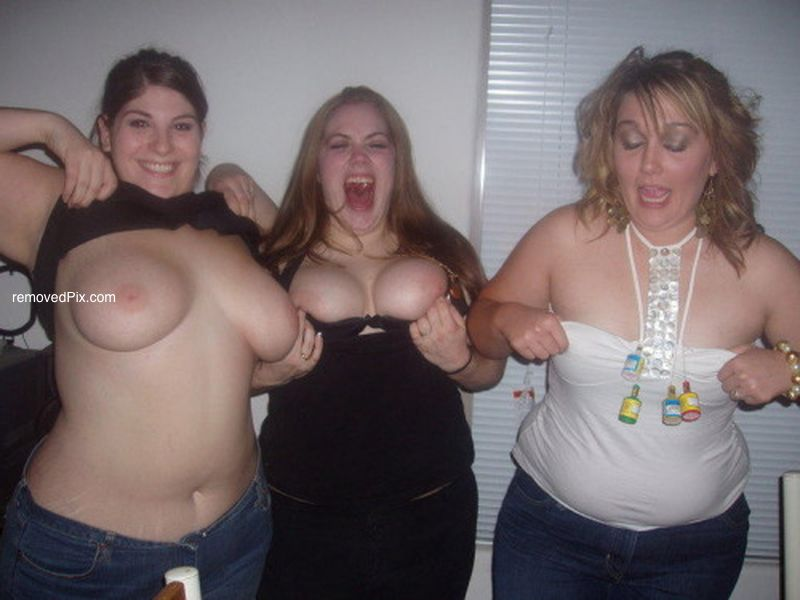 Ugly chubby nude girl selfies