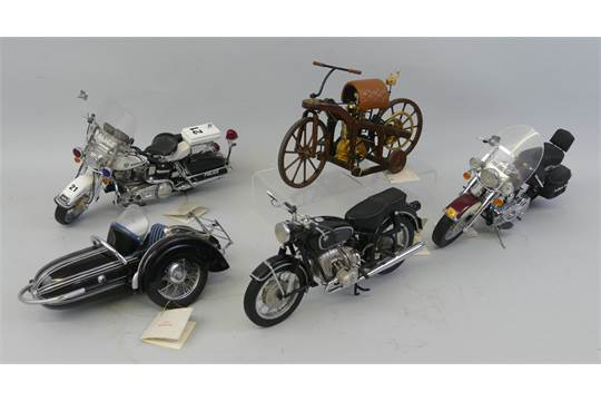 Vintage harley scale models