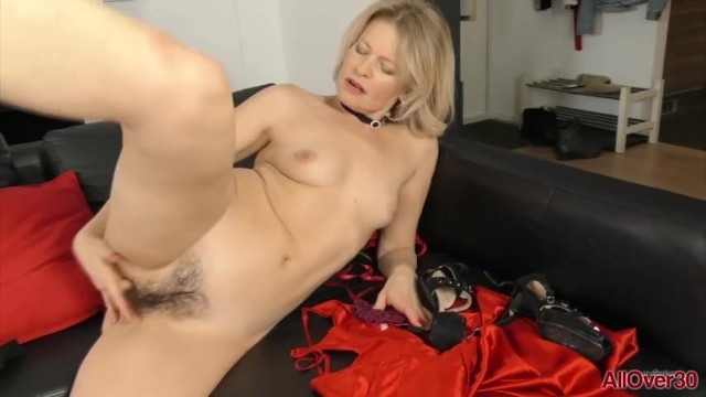 Pussy hairy blonde milf