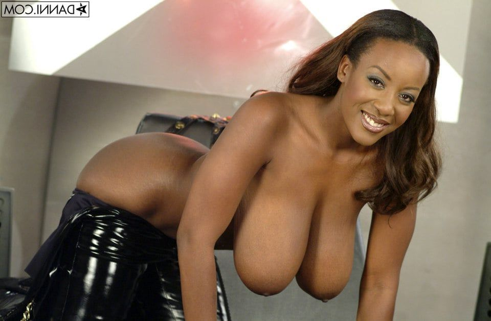 Black woman breast naked