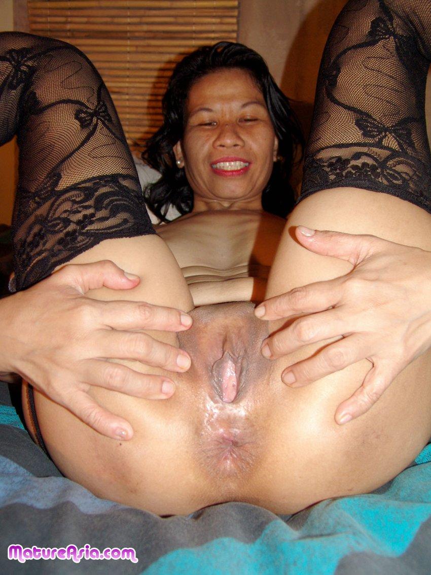 Asian women open pussy