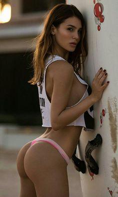 Non nude vika model