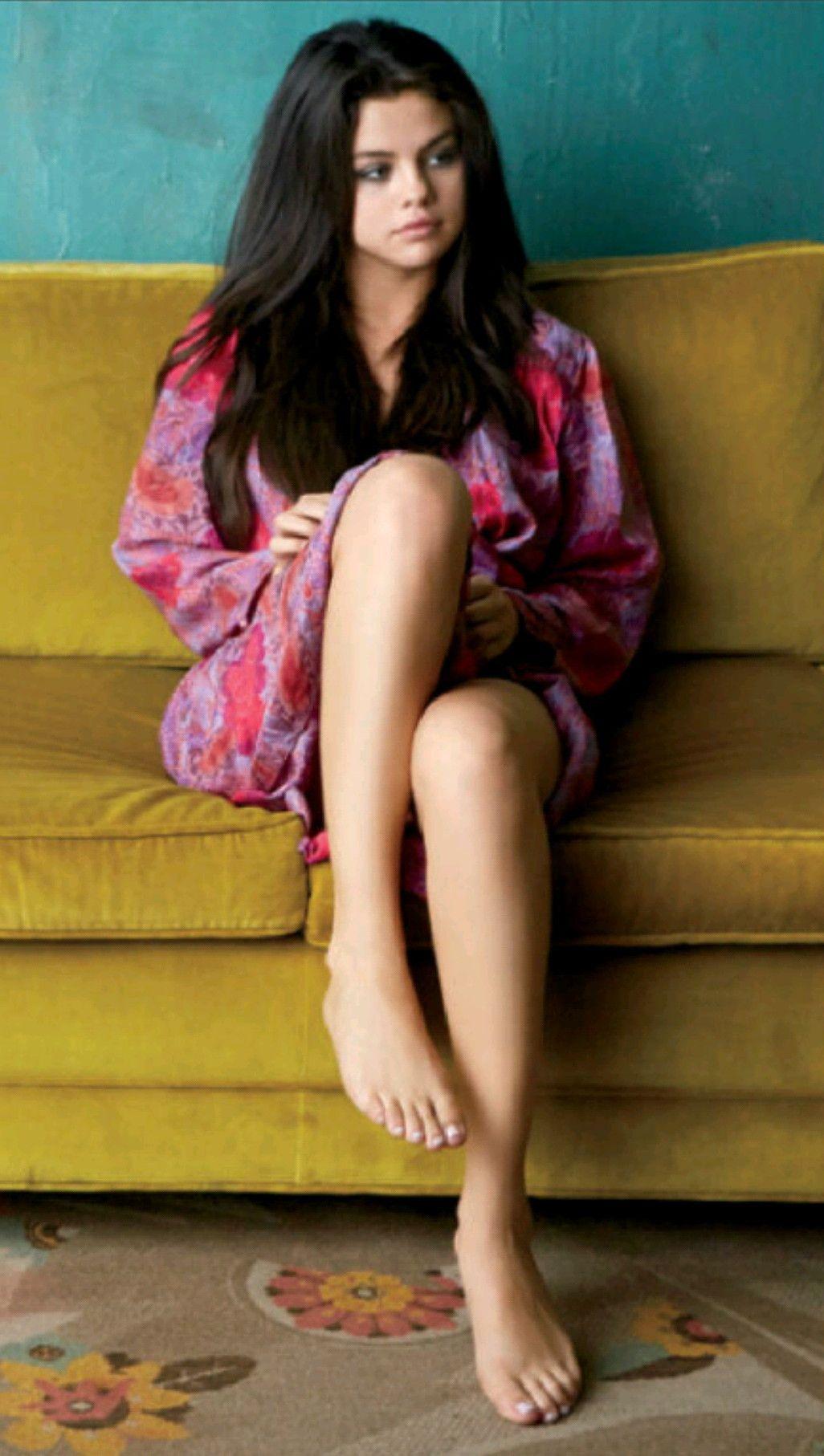 Selena gomez naked toes