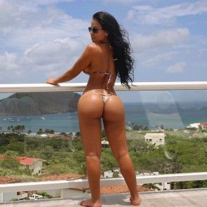 Photos of rebecca romijn stamos nude