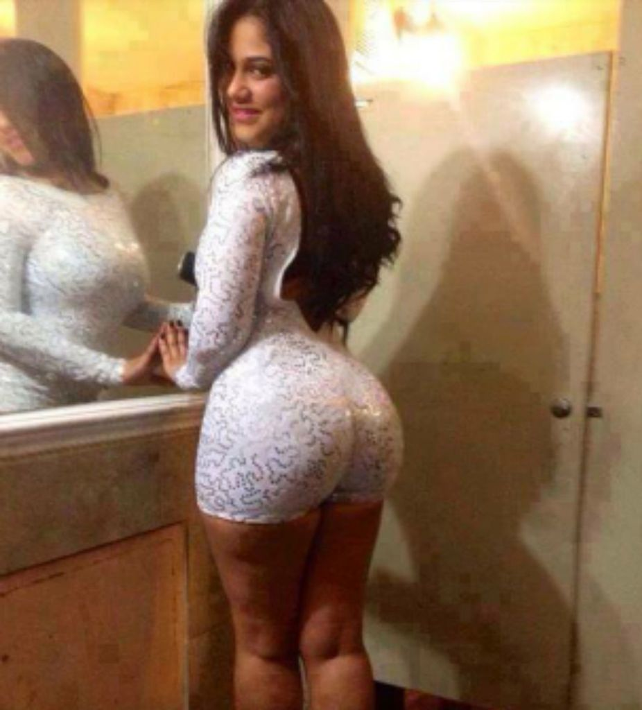 Latina big booty curvy