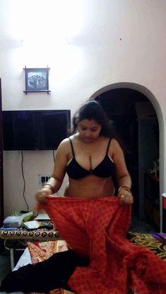 Sexi saari focus on breast nude