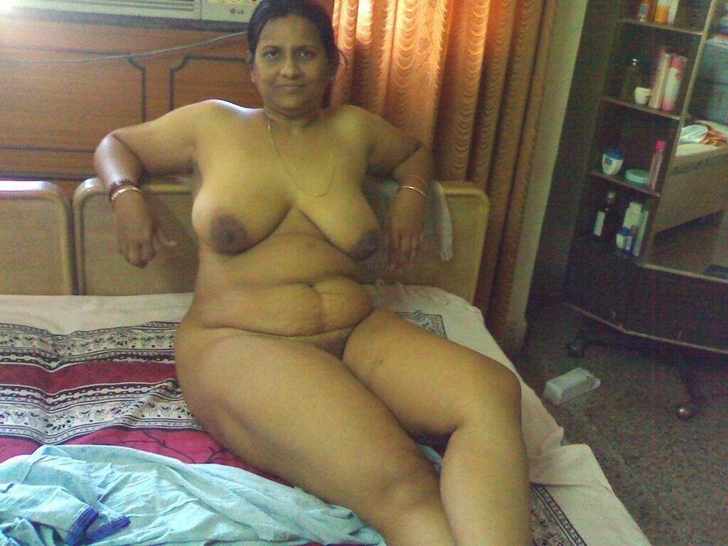 Mature indian women naked huge breasts