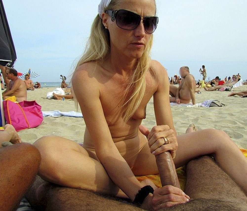 Girls sucking cock on nude beach