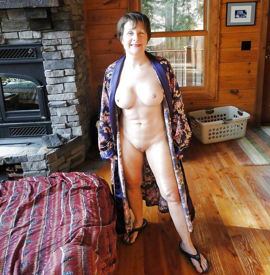 Mature older granny nude