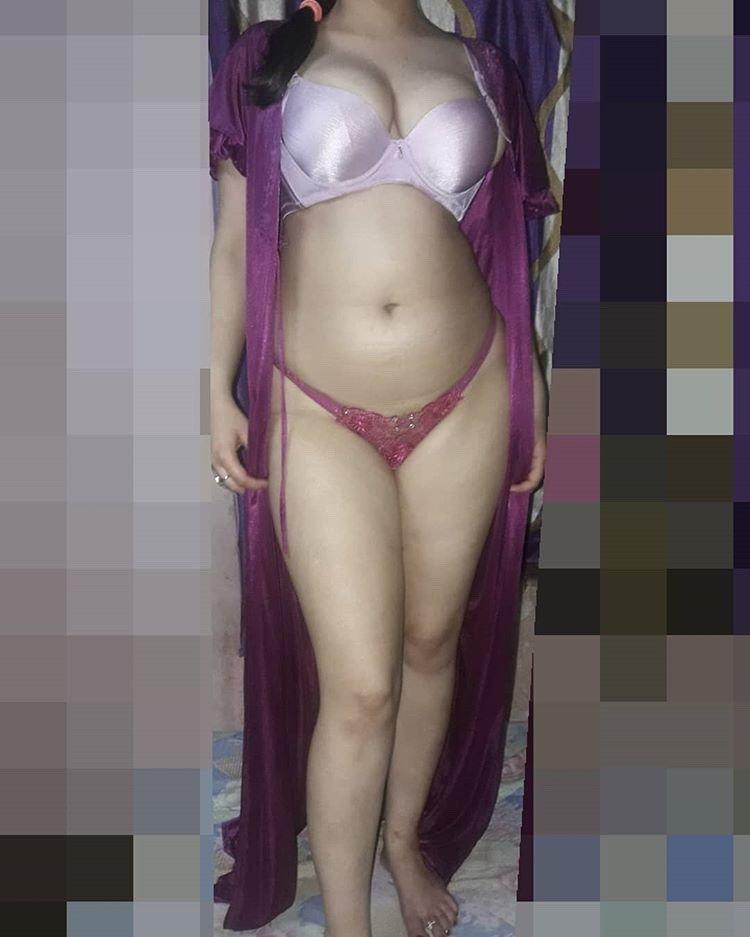 All desi bhabi big size panty pic