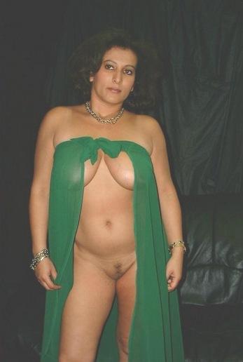 Wife removing bra nude
