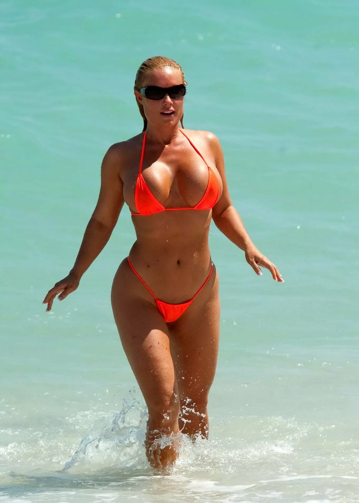 Nicole coco austin beach