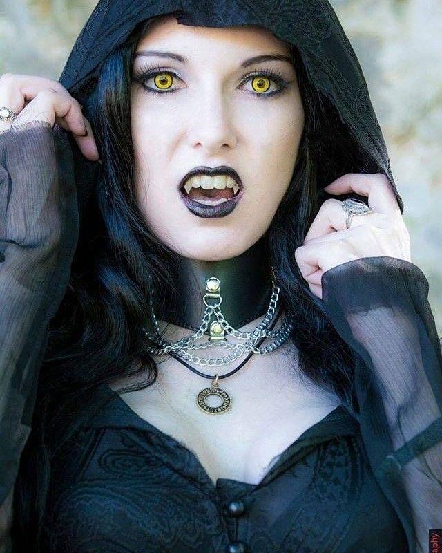 Hot vampire goth girl