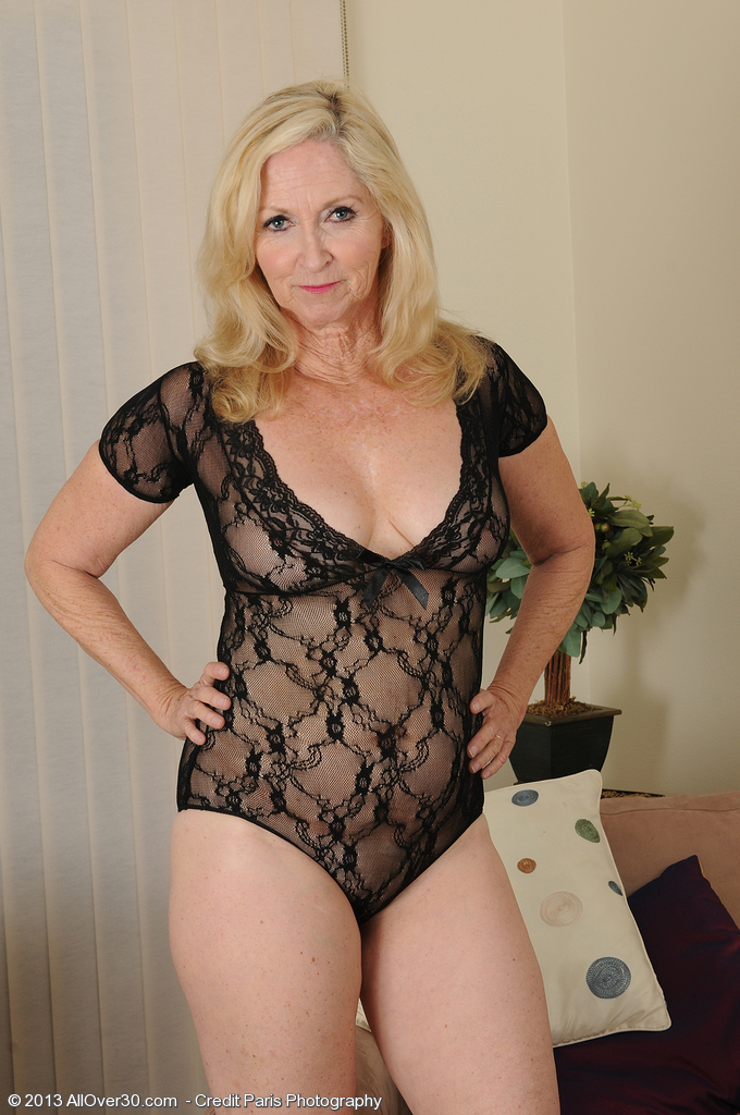 Sexy naked milfs old