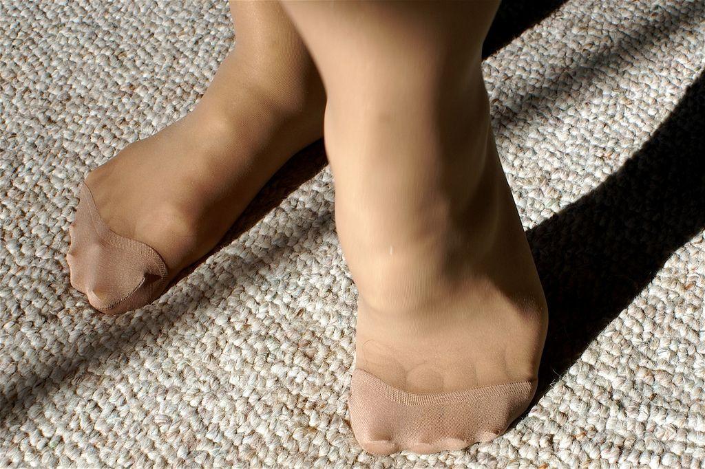 Reinforced toe pantyhose foot