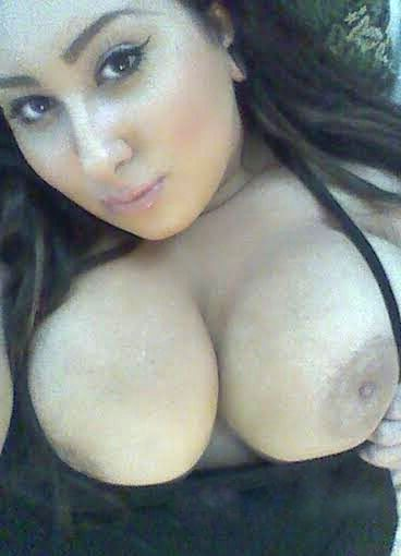 Hot girls pakistani boobs photo