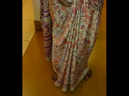Lifted saree bhabhi ass village