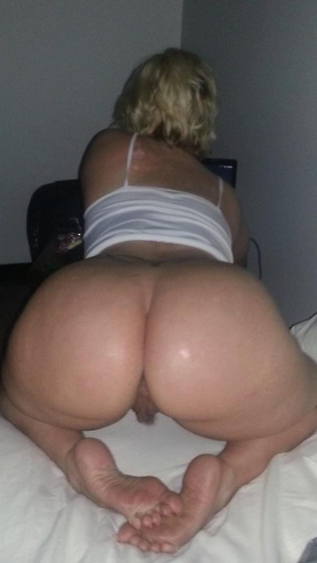 Pics nude pale asshole white