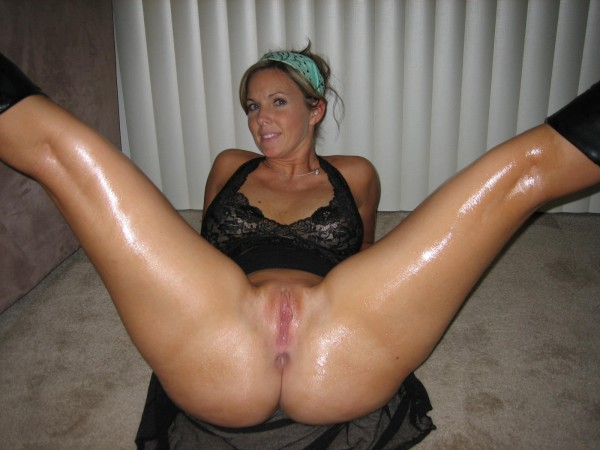 Amateur wife legs spread wide
