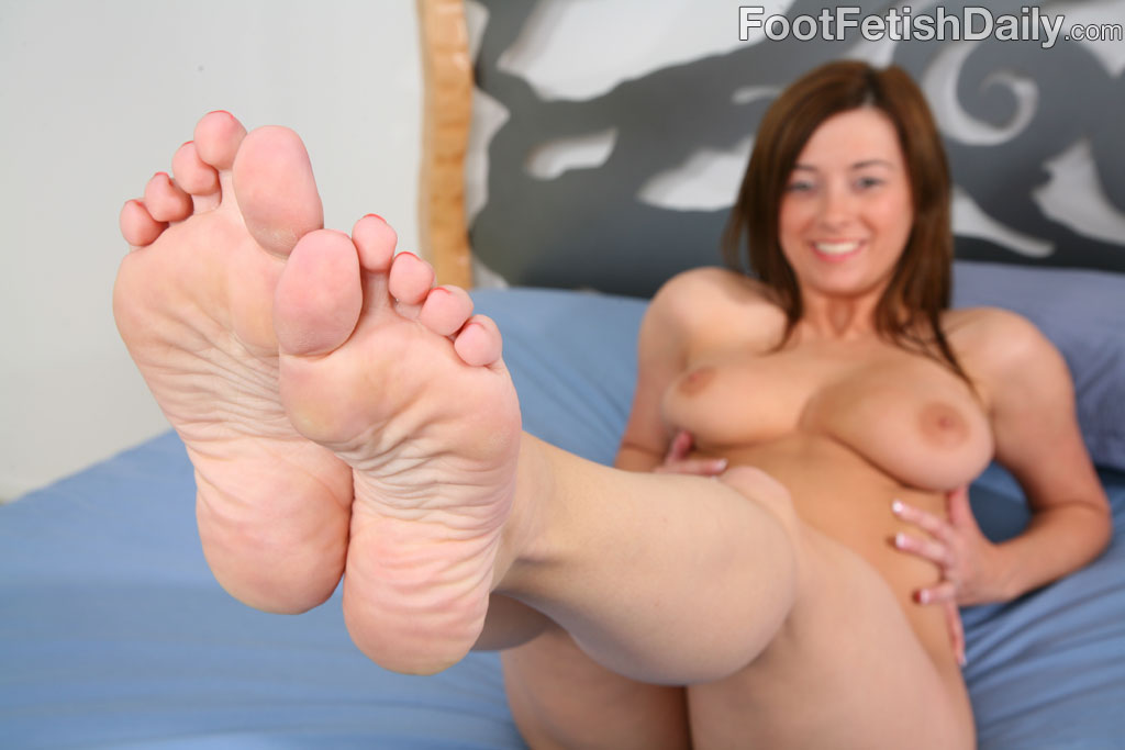Taylor vixen foot fetish daily