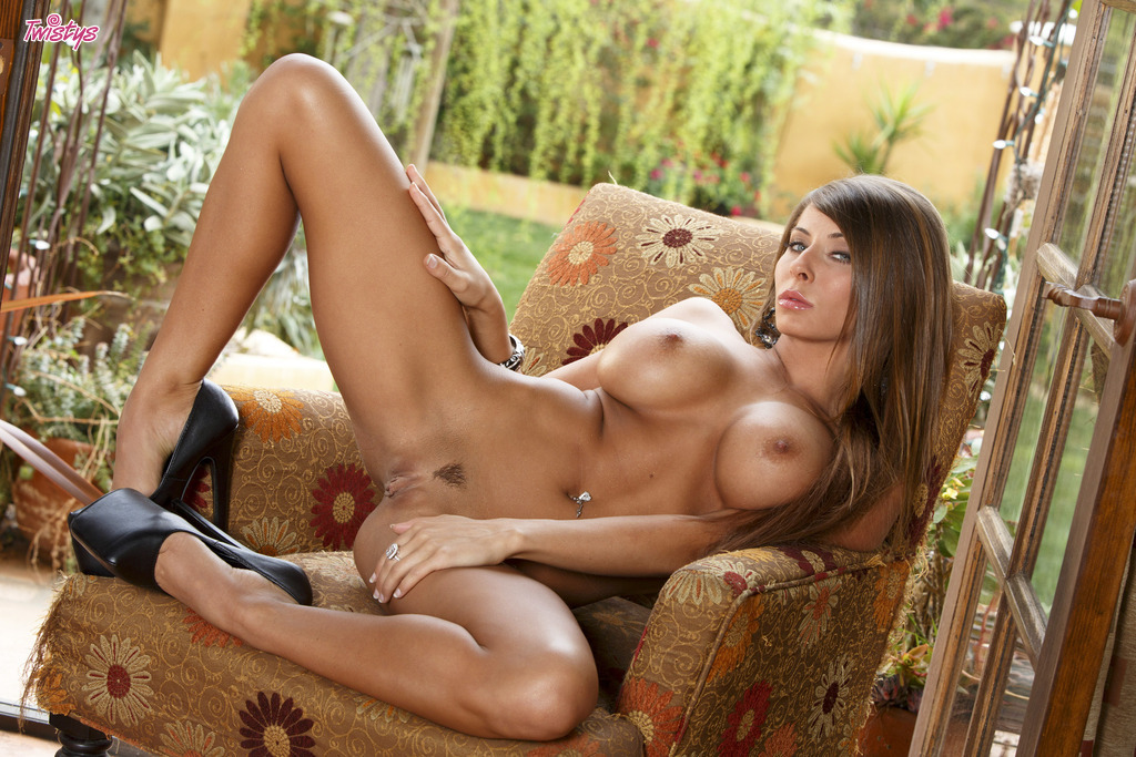 Madison ivy spreading her legs