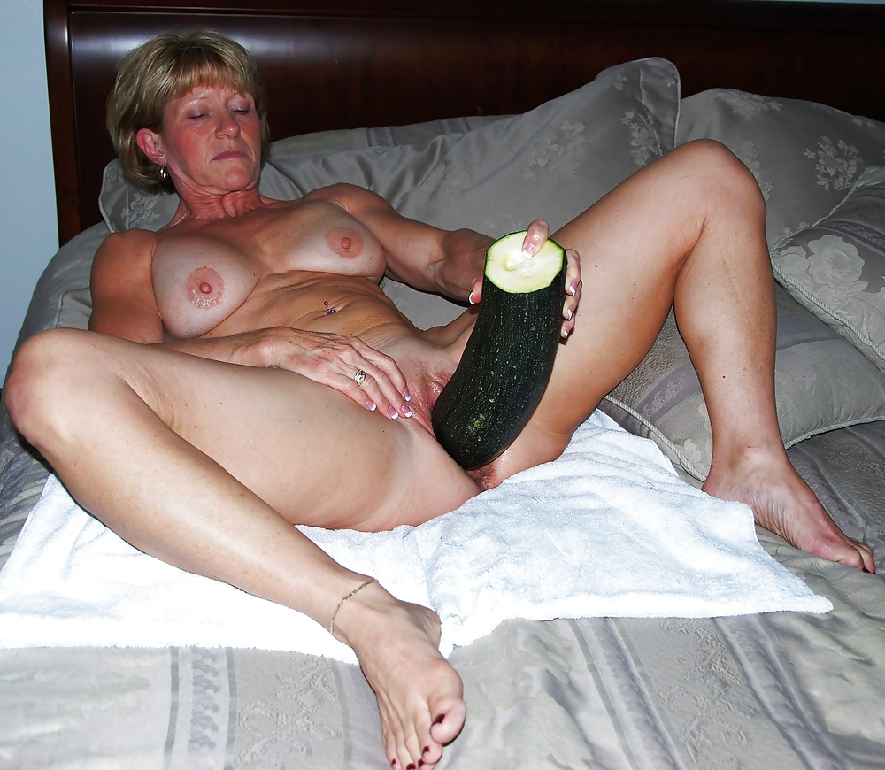 Mature amateur wife next door
