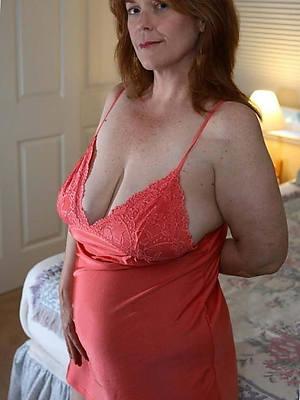 Real amateur mature bbw lingerie slut