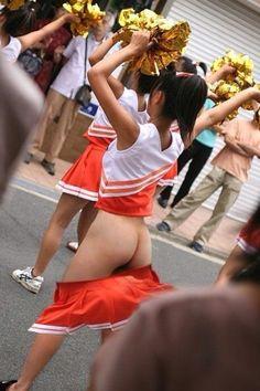 Cheerleader accidental pussy slips