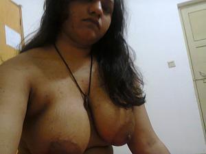 Photos of nude big boobs indian aunties