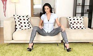 Amateur wife legs spread wide