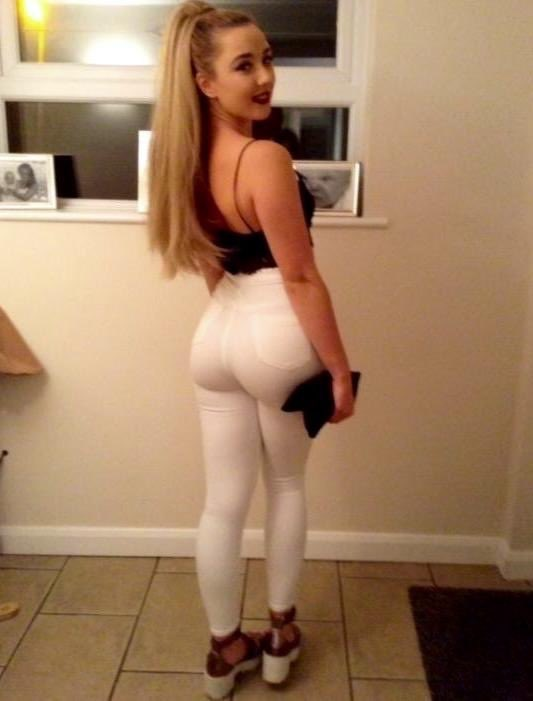 Teen huge booty ass