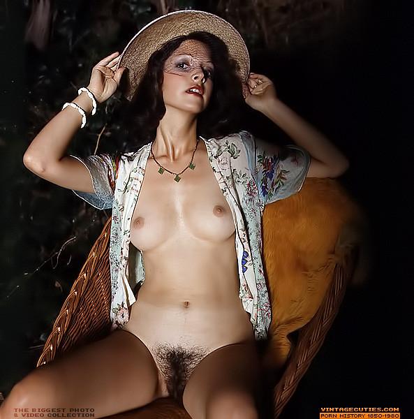 Nude beautiful natural women